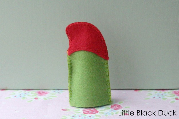 Gnome Finger Puppet Back Detail