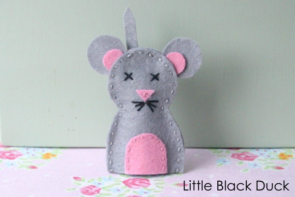 Mouse Finger Puppet
