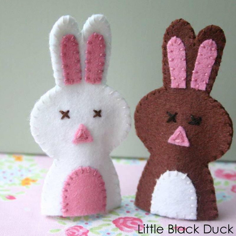 Bunny Finger Puppet Pattern - Victoria Peat - Little Black Duck