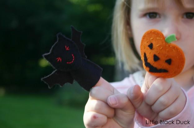 Bat and Pumpkin Finger Puppets
