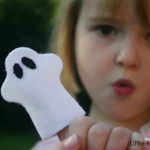 Ghost Finger Puppet