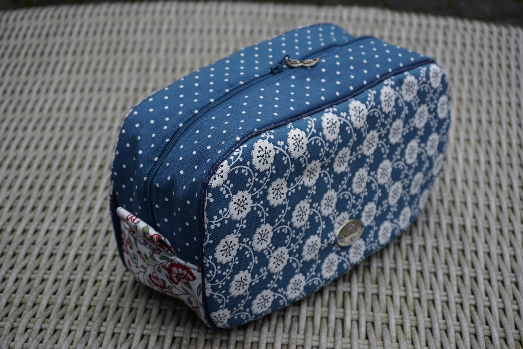 Blue Floral Pebble Wash Bag by Ilse Lemmens