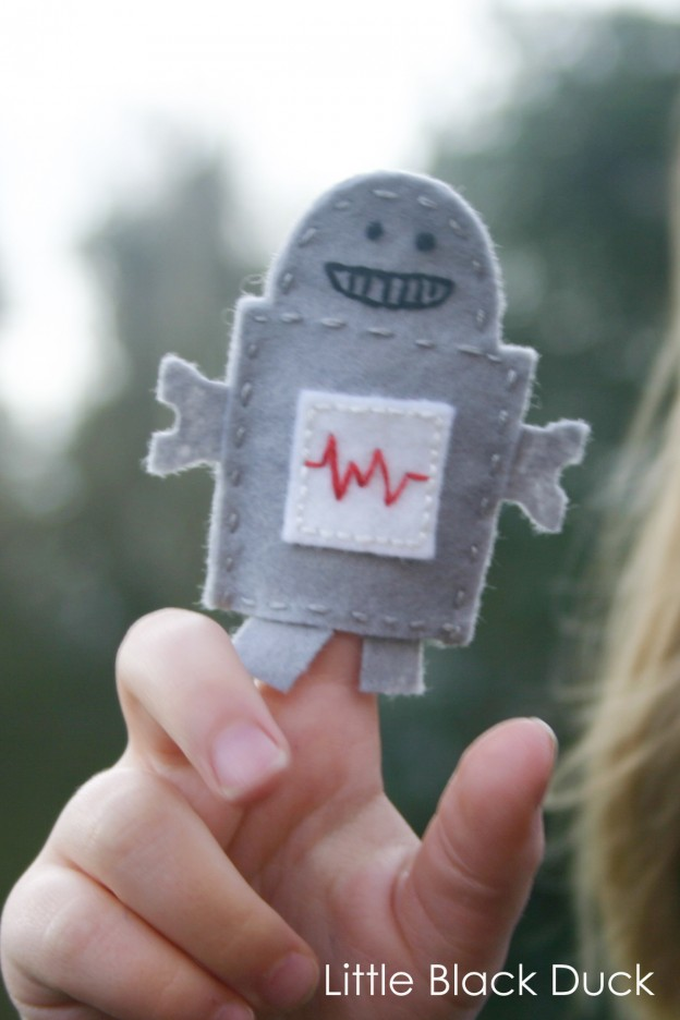 Robot Finger Puppet in Action