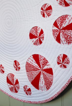 Pinwheels and Portholes Circle Quilt Detail