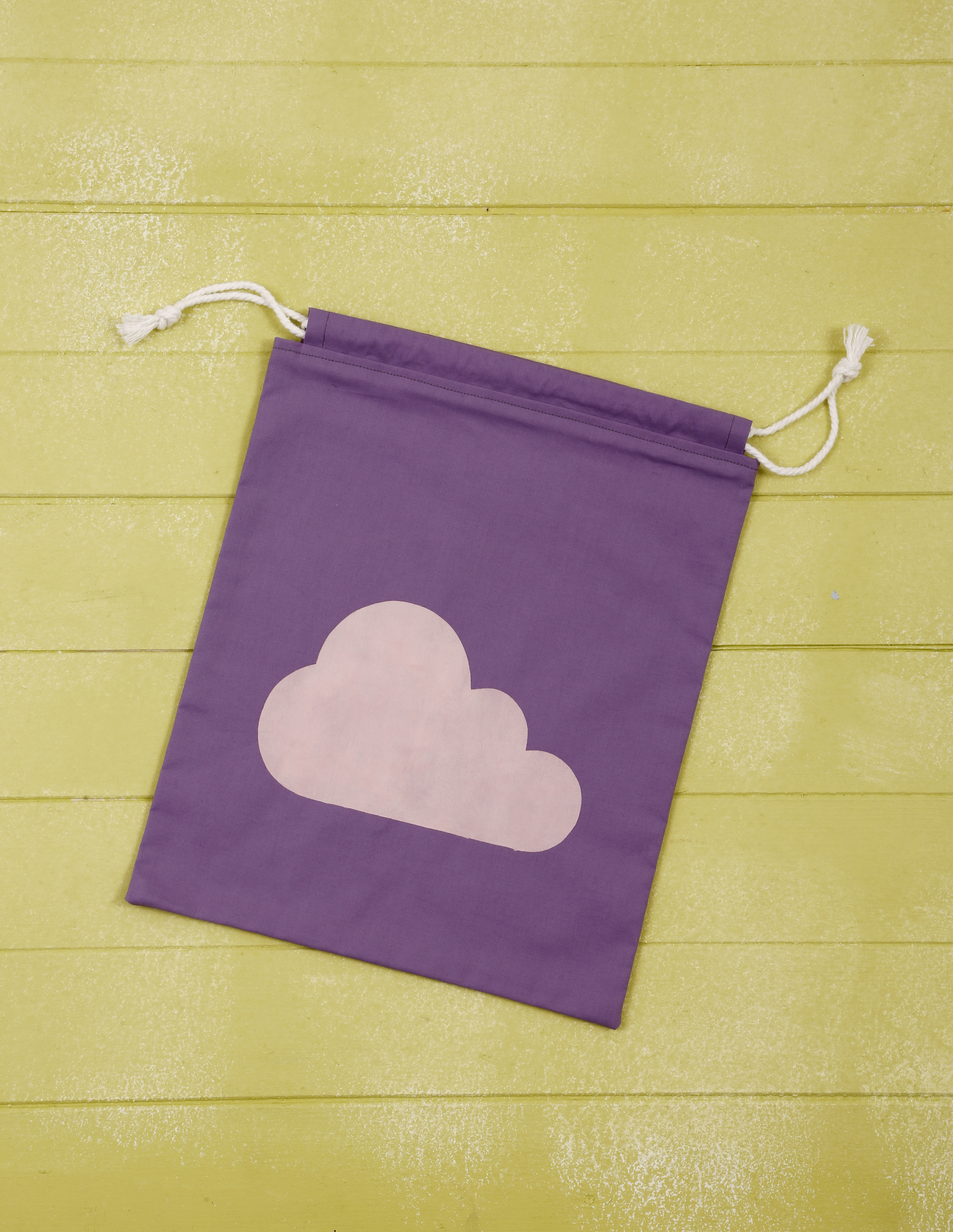 Cloud Print Drawstring Bag