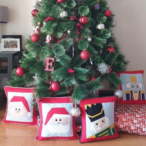 Christmas Cushions with Christmas Tree